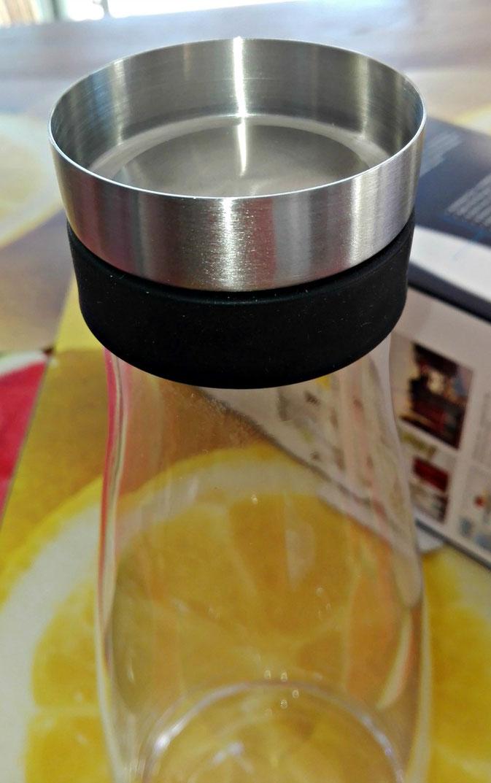 EMSA Flow Bottle Karaffe aus Glas mit Kühlakku im Test
