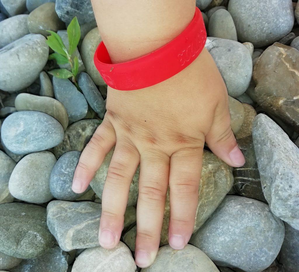 SOS Armband von gutmarkiert unsere Erfahrung